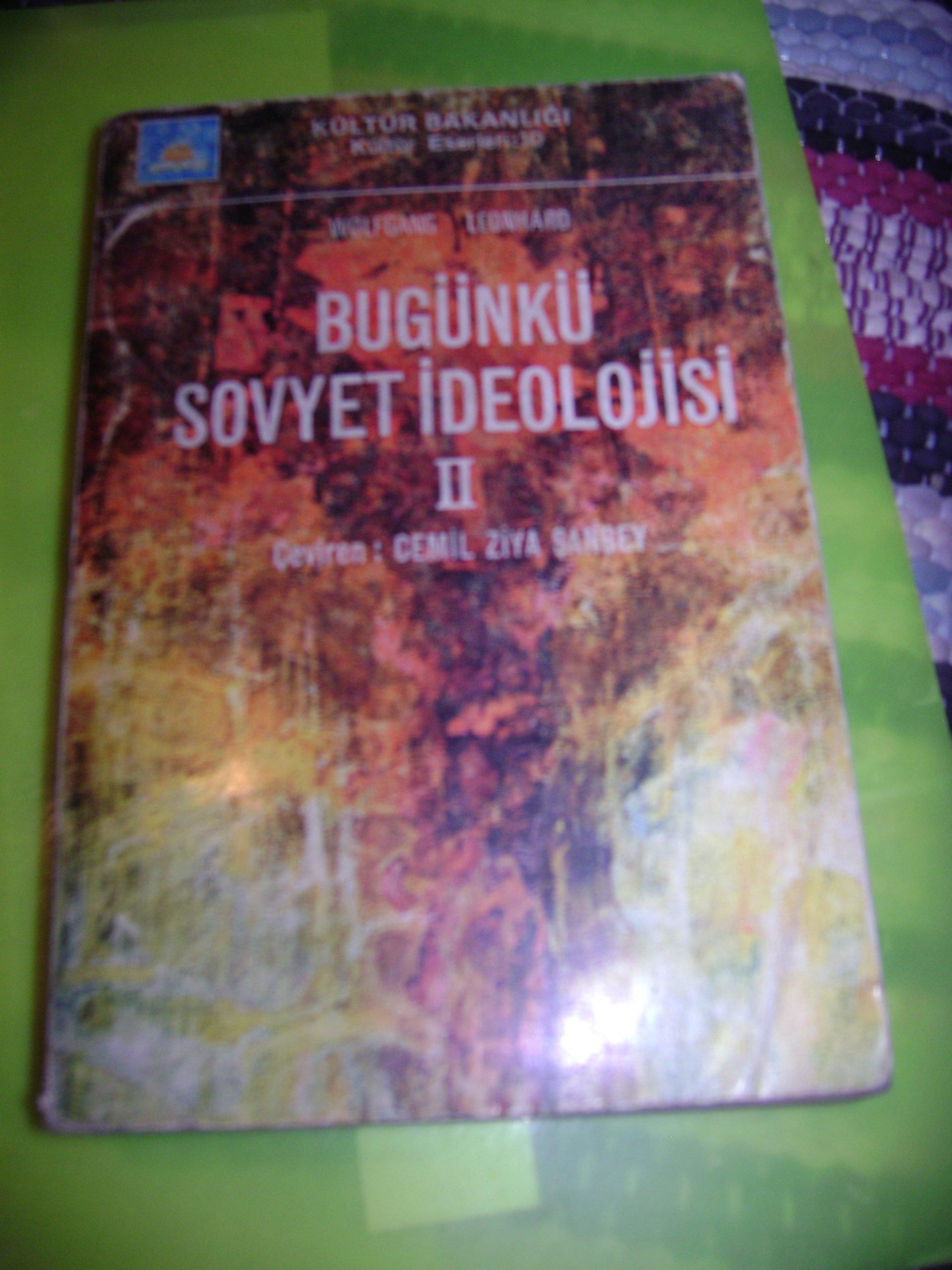 BUGÜNKÜ SOVYET İDEOLOJİSİ II /Wolfgang Leonhard/ 15 tl