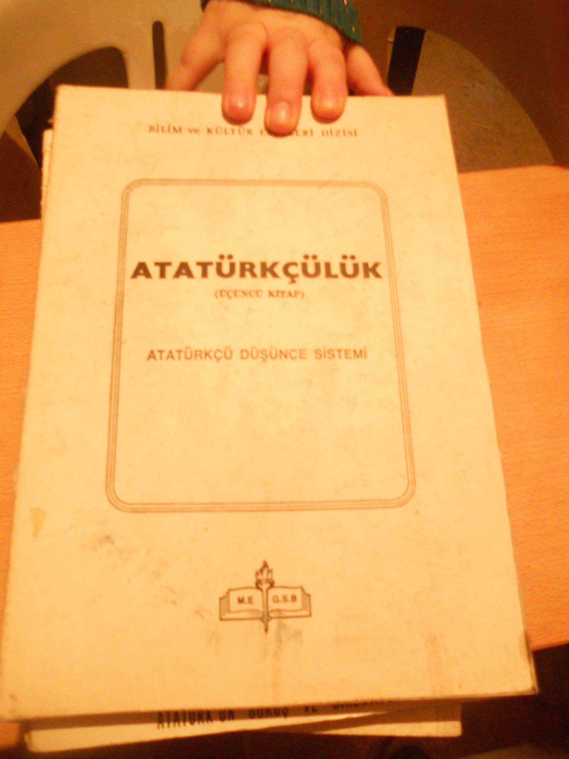 ATATÜRKÇÜLÜK I-II-III CİLT(Atatürk'ün görüş ve direktifleri) /TOPLAM 20 TL(SATILDI)