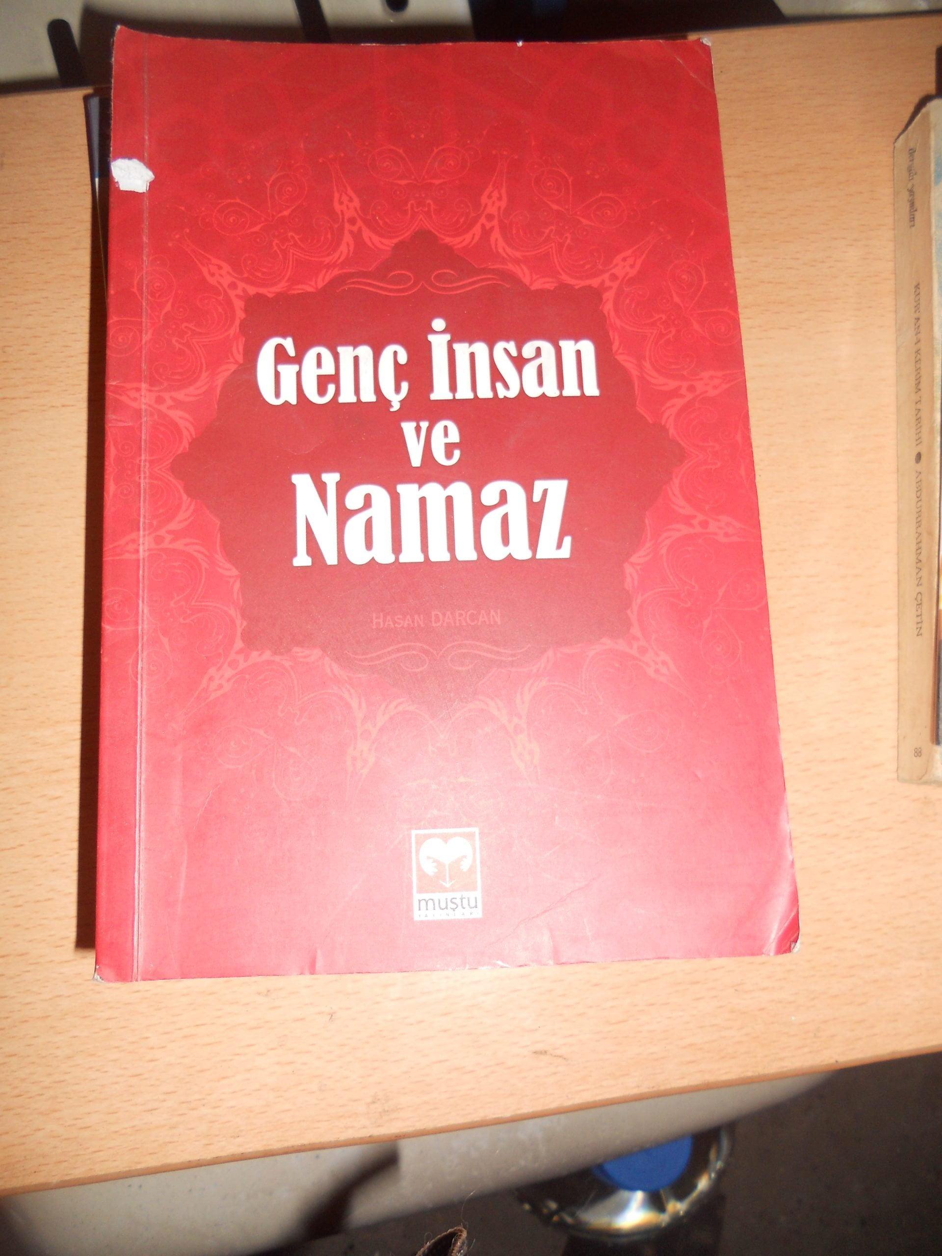GENÇ İNSAN VE NAMAZ/Hasan DARCAN/ 10 TL