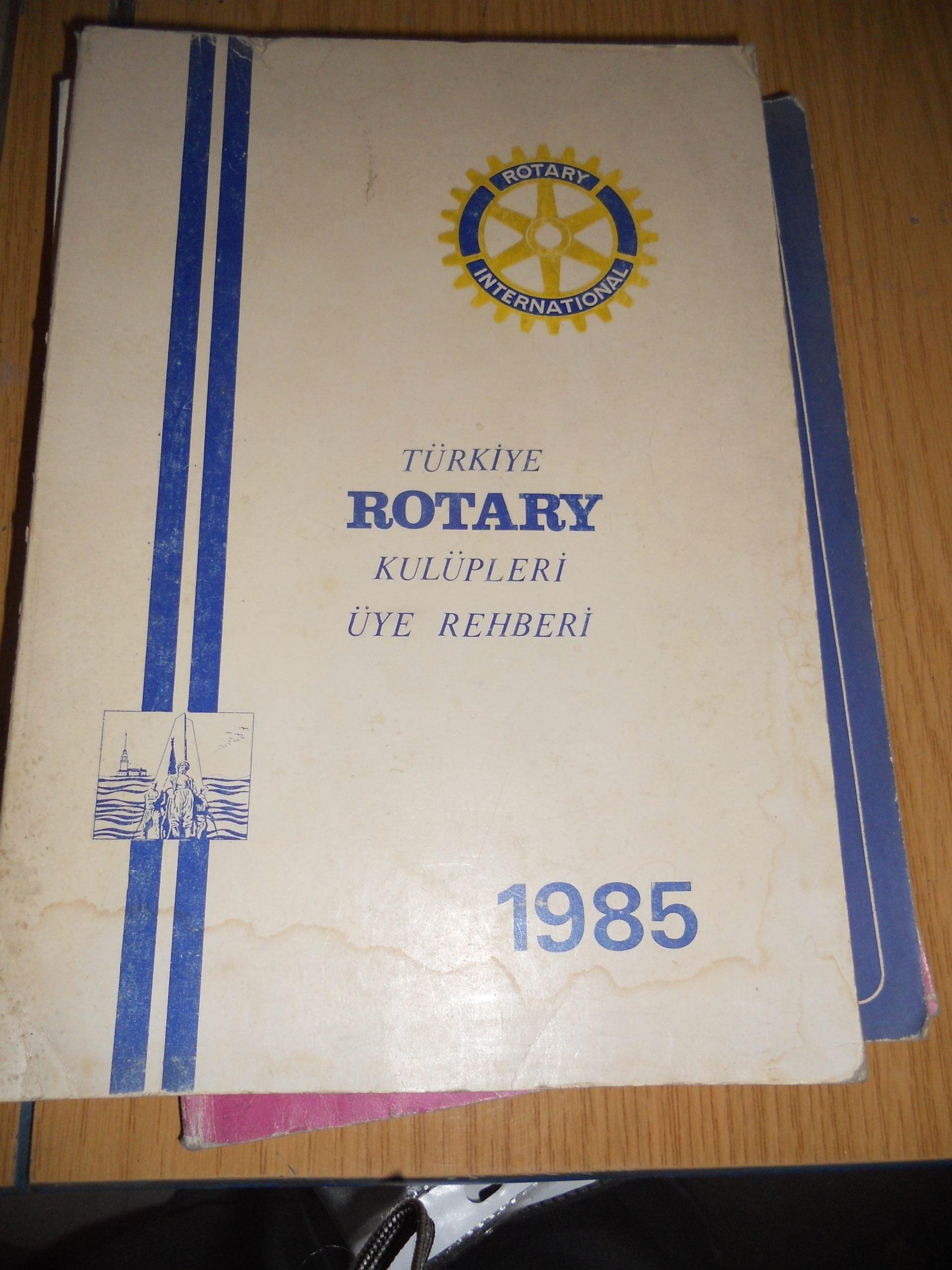 TÜRKİYE ROTARY KULÜPLERİ ÜYE REHBERİ-1985-/ 15 TL