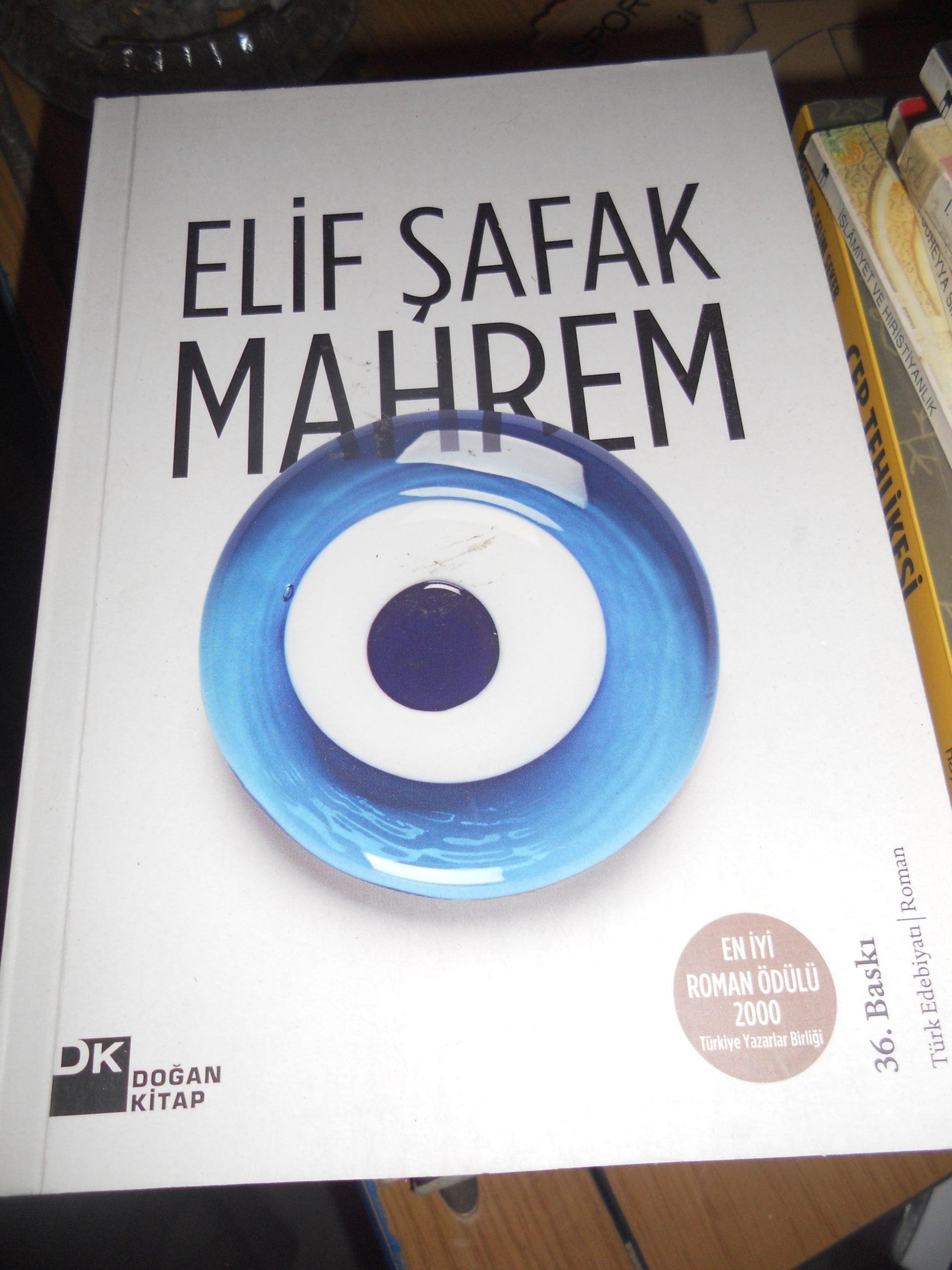 MAHREM/Elif ŞAFAK/10 TL