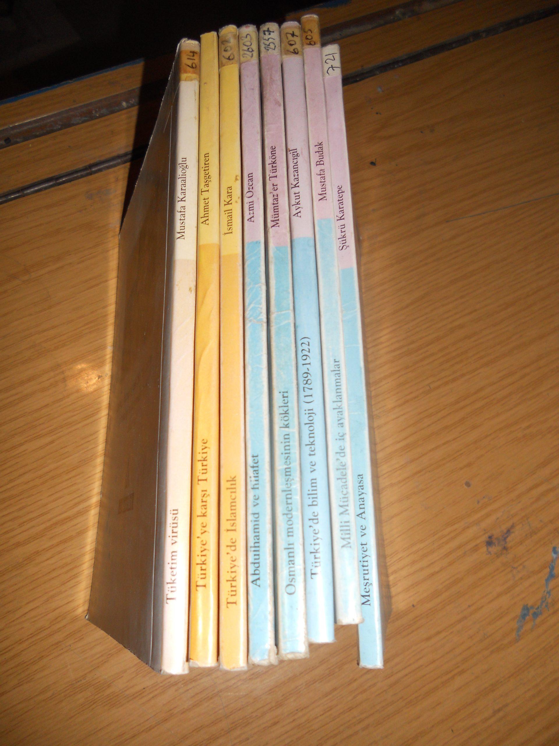 Yakın tarihve kültür dizisi(Yeni Şafak yay) 8 kitap/ toplam 25 tl