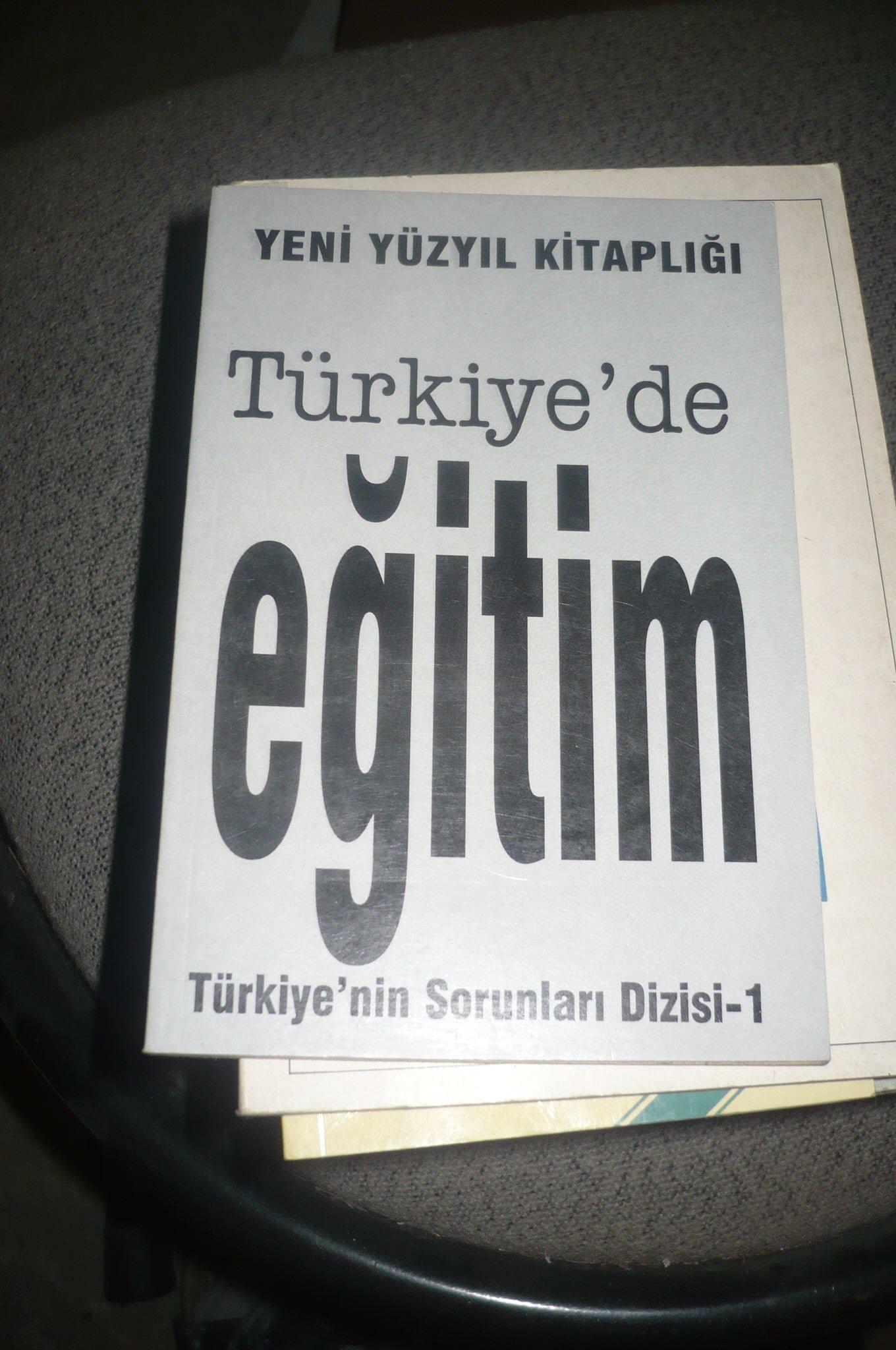 TÜRKİYE'DE EĞİTİM/Yeni Yüzyıl kitaplığı 1/ 10 tl
