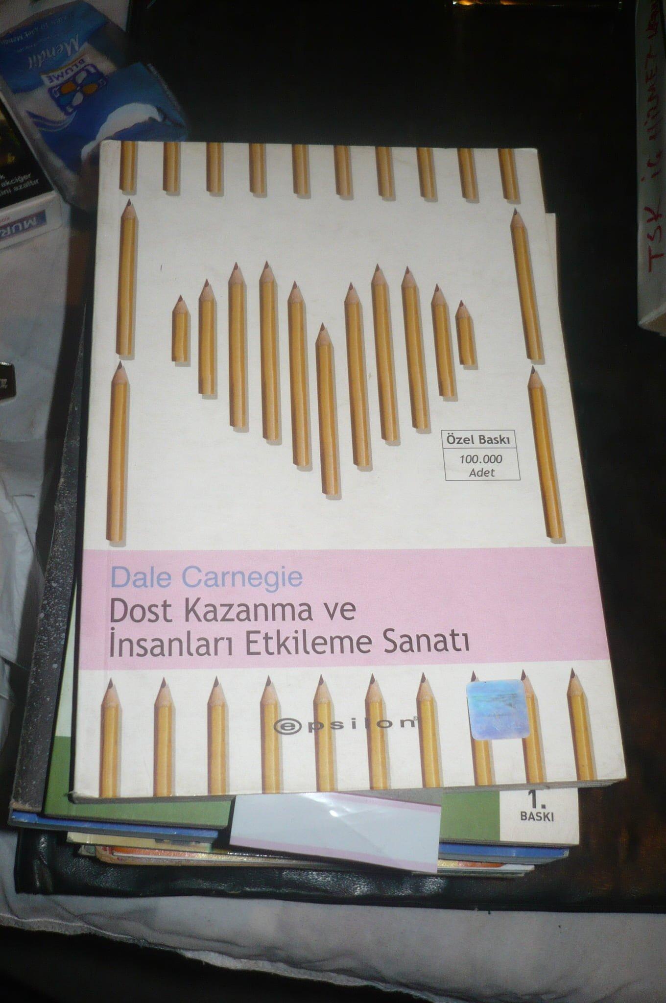 DOST KAZANMA VE İNSANLARI ETKİLEME SANATI/Dale Cargnegie 15 TL