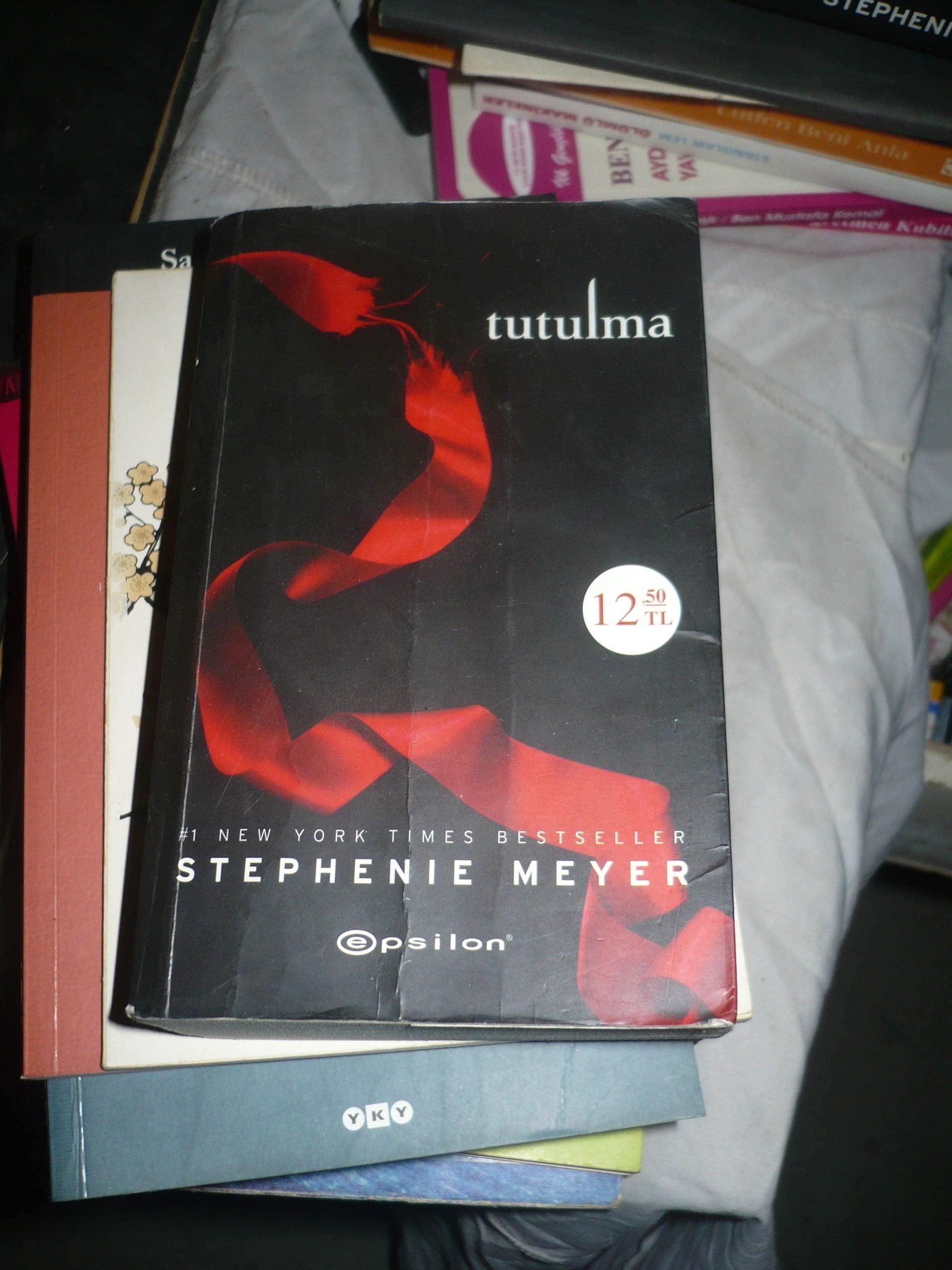 TUTULMA/Stephenıe MEYER/ 10 TL