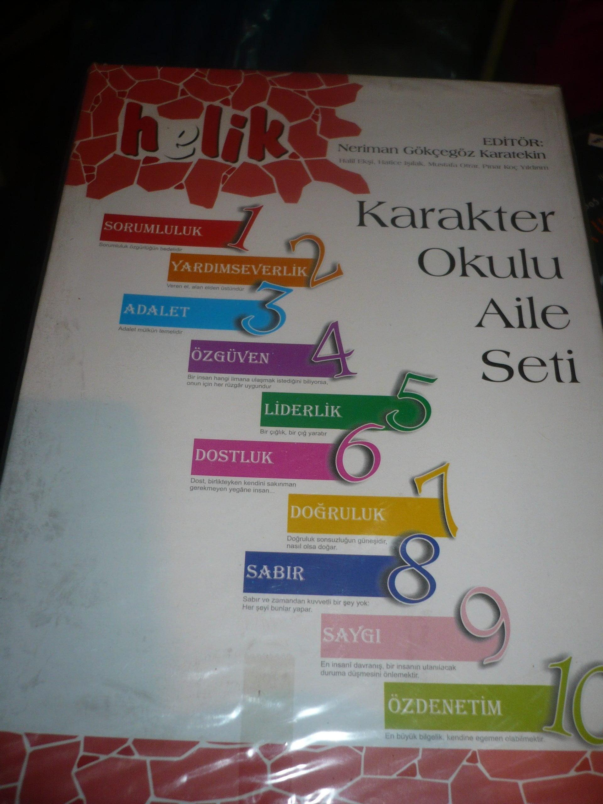 HELİK-KARAKTER OKULU AİLE SETİ1-10/ Editör-N G.Karatekin+heyet/takım.20 tl(satıldı)